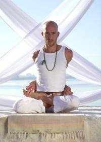 Om the haute 5 yoga studios in miami haute living for Haute 8 yoga manhattan beach