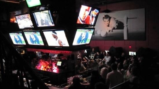 Q's Billiards 550