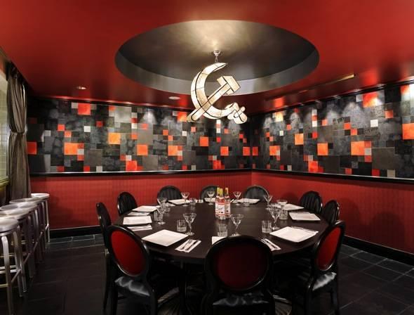 Kiss the chef the haute 5 chef 39 s tables in las vegas for Interior design 77379