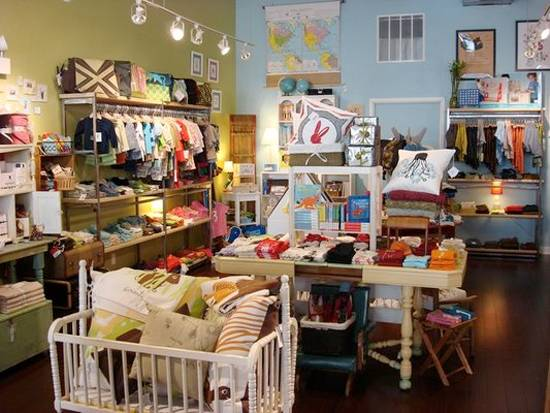 Kids town clothing store. Girls clothing stores