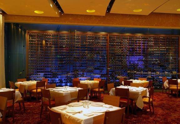 Go with the flow the top 5 fish restaurants in las vegas for New orleans fish house
