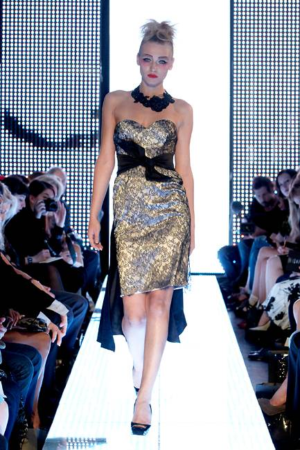 London Fashion Week Elizabeth Emanuel Returns To The Catwalk