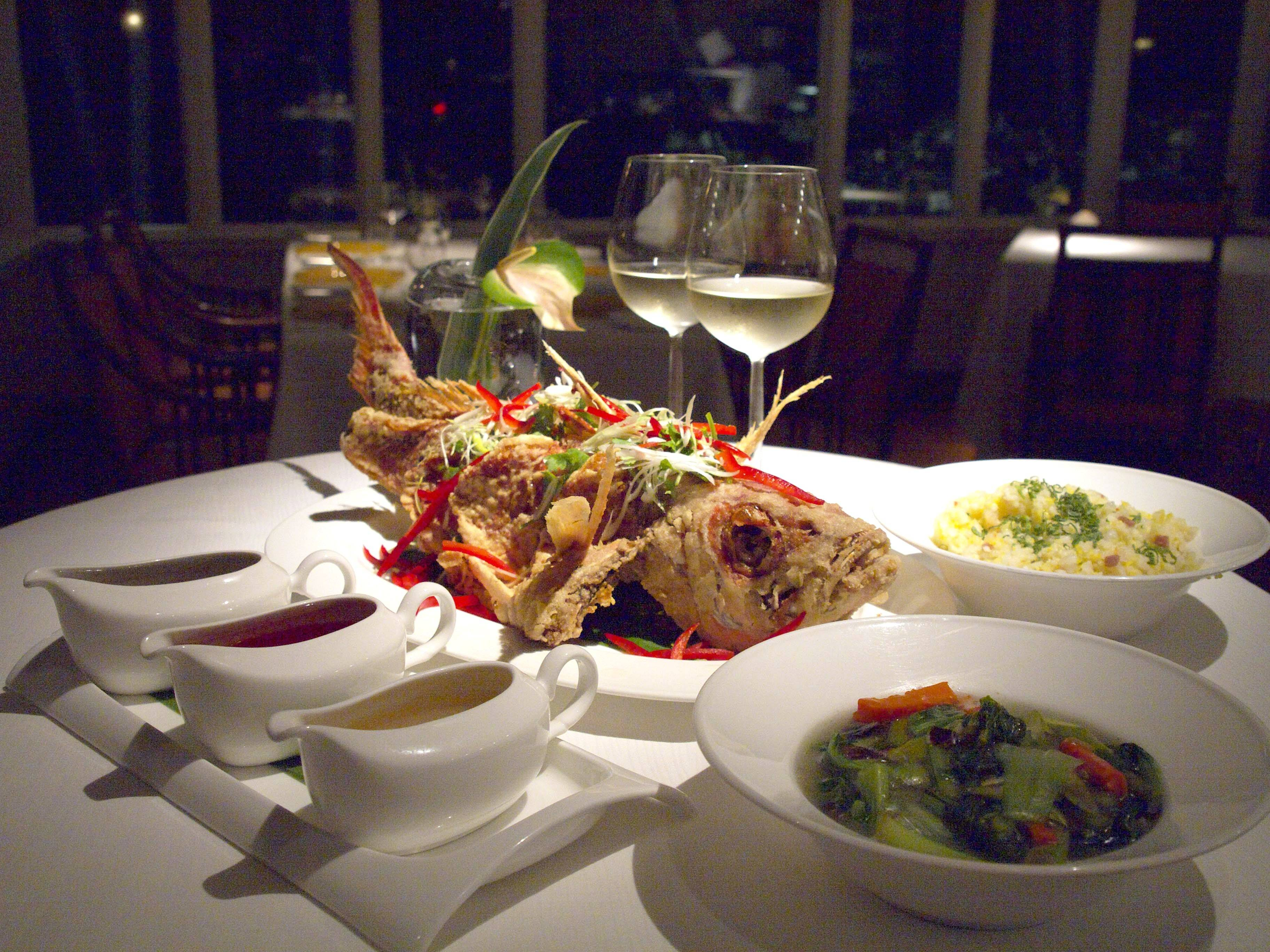 Go with the flow the top 5 fish restaurants in hawaii for Go fish restaurant