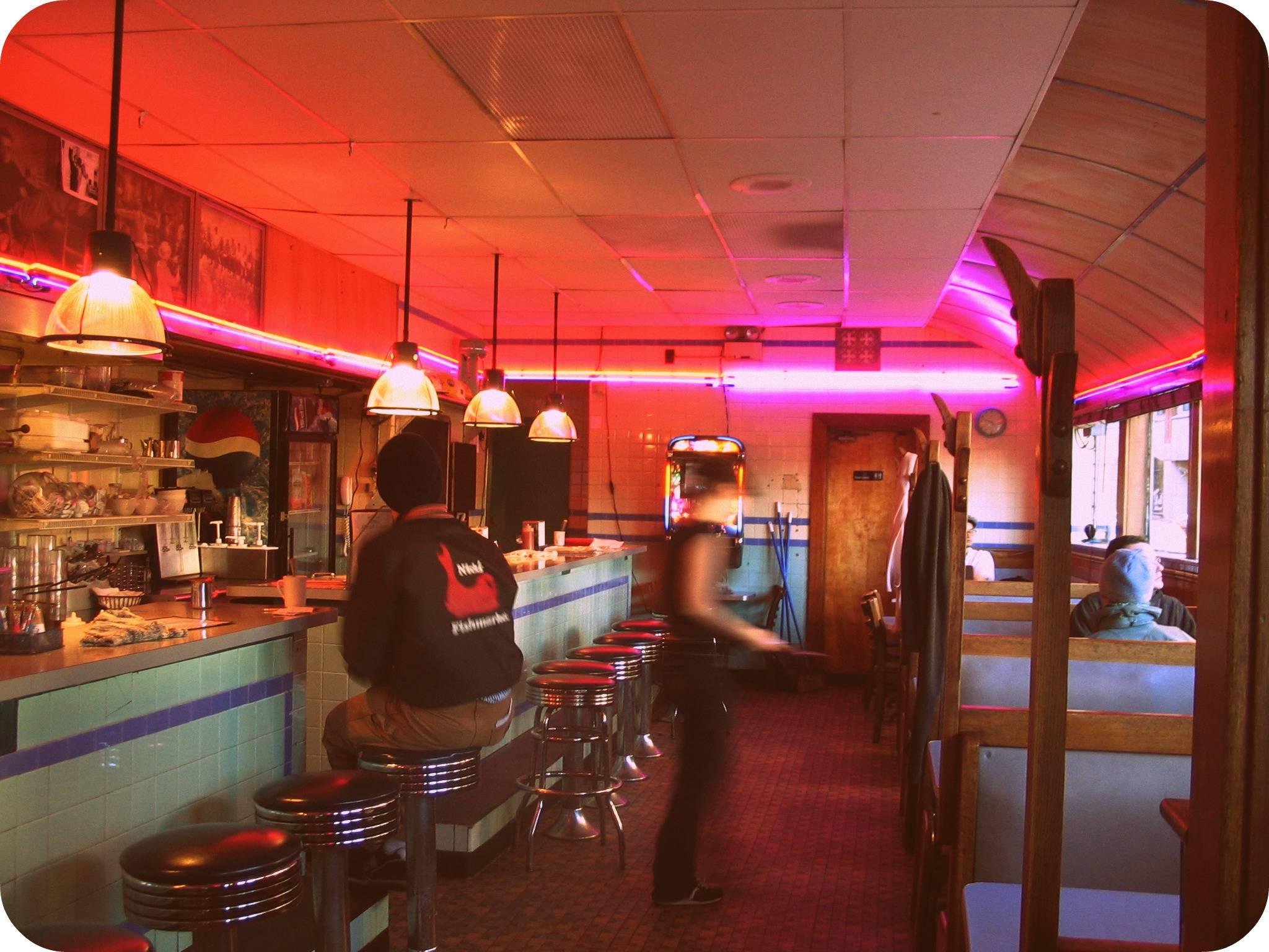 Midnight munchies the top 5 late night restaurants in for Late night restaurants