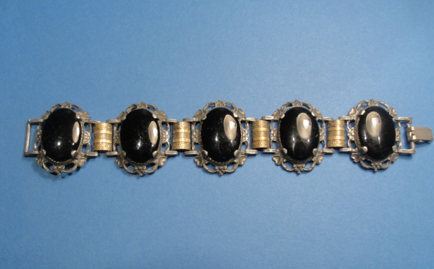 Vintage jewelry in new york stand out from the crowd for Antique jewelry stores nyc