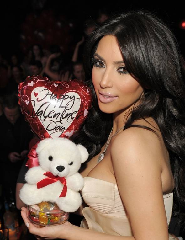 Watch The Full Kim Kardashian Sex Tape Here!