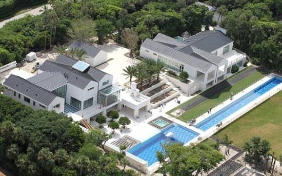 tiger woods house in jupiter island. Woods is preparing to move