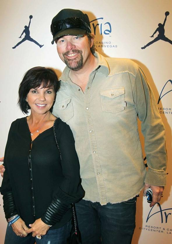 Toby Keiths Wife And Kids Toby keith wife tricia