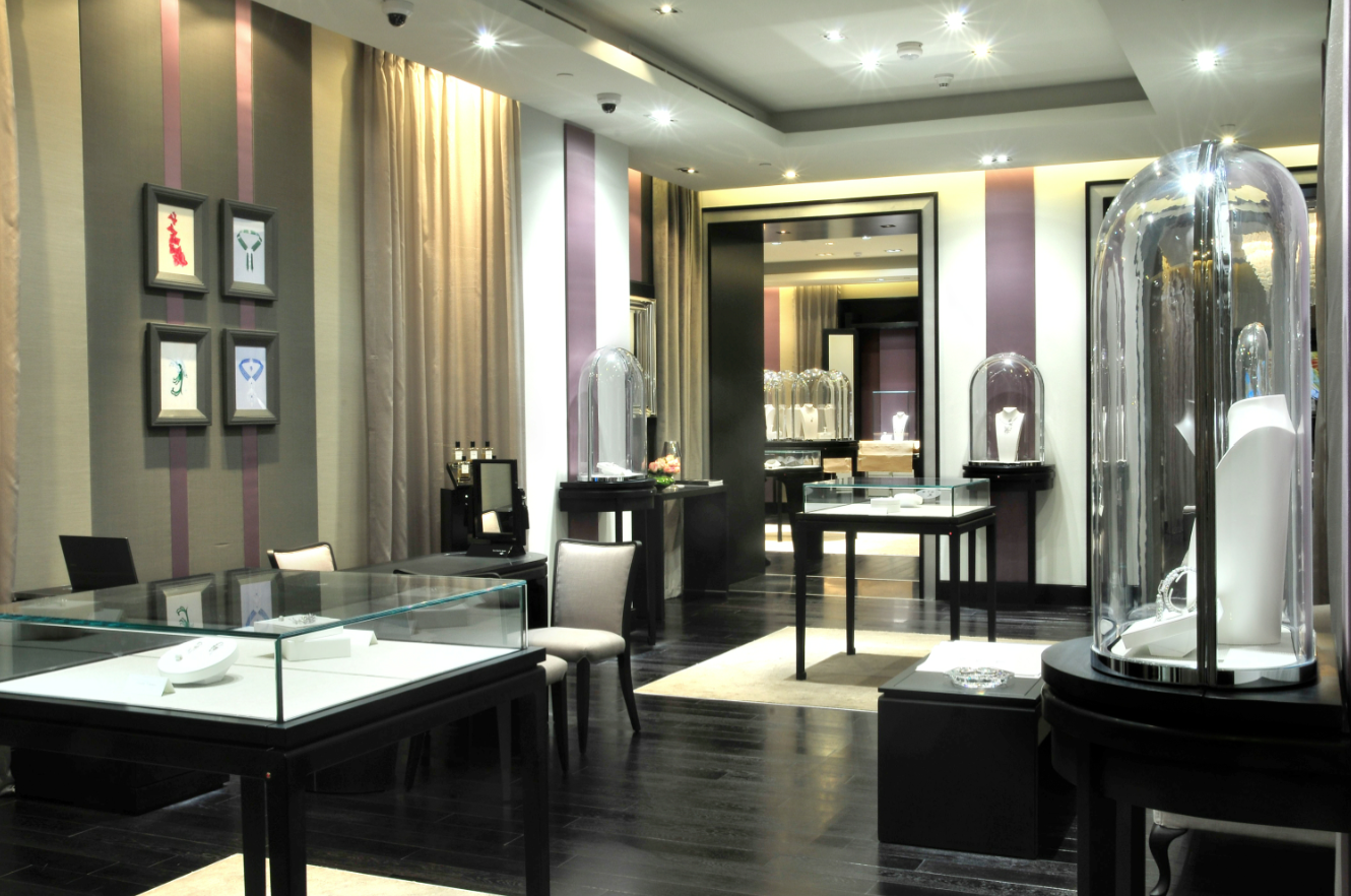Van Cleef Arpels Opens First Boutique In Qatar