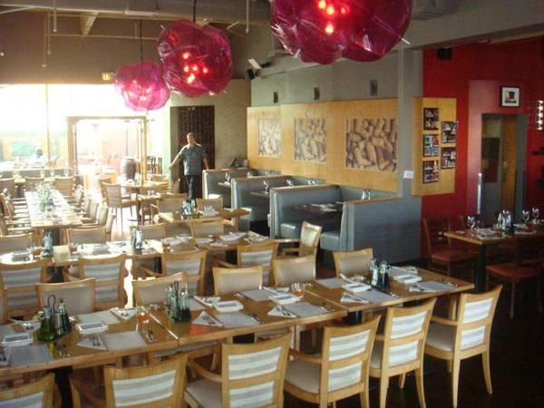 Haute dining best kept secret in manhattan beach for Kitchen nightmares lido