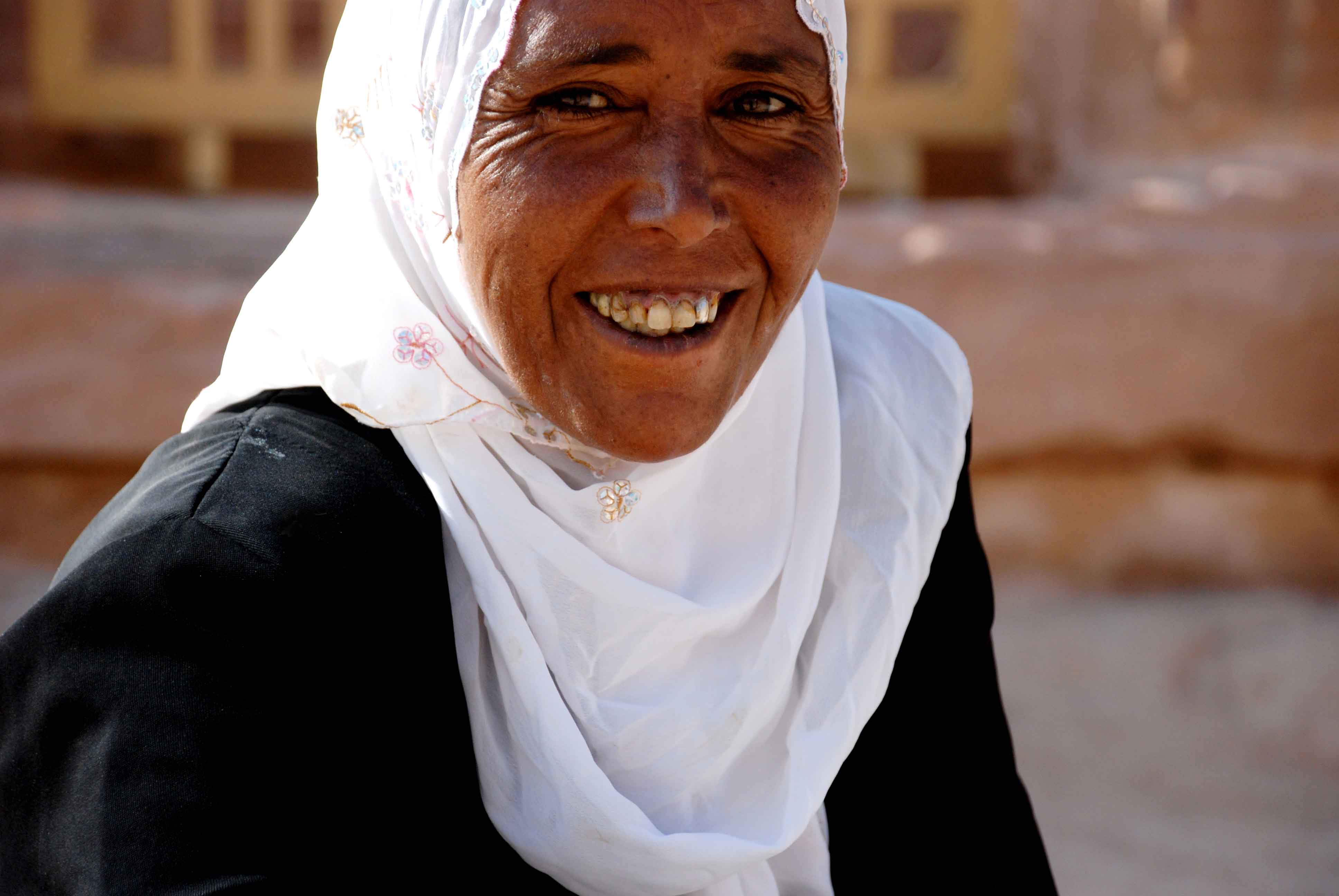 Tremendous Photographic Tales Of The Middle East Hermoine Macuras Faces Of Short Hairstyles Gunalazisus