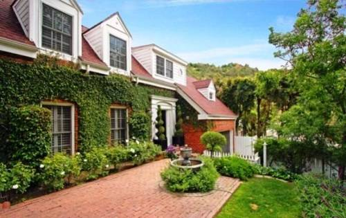Amy Smart house in Beverly Hills
