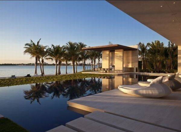 Miami s most expensive house listed at 60 million haute for Biggest house in miami