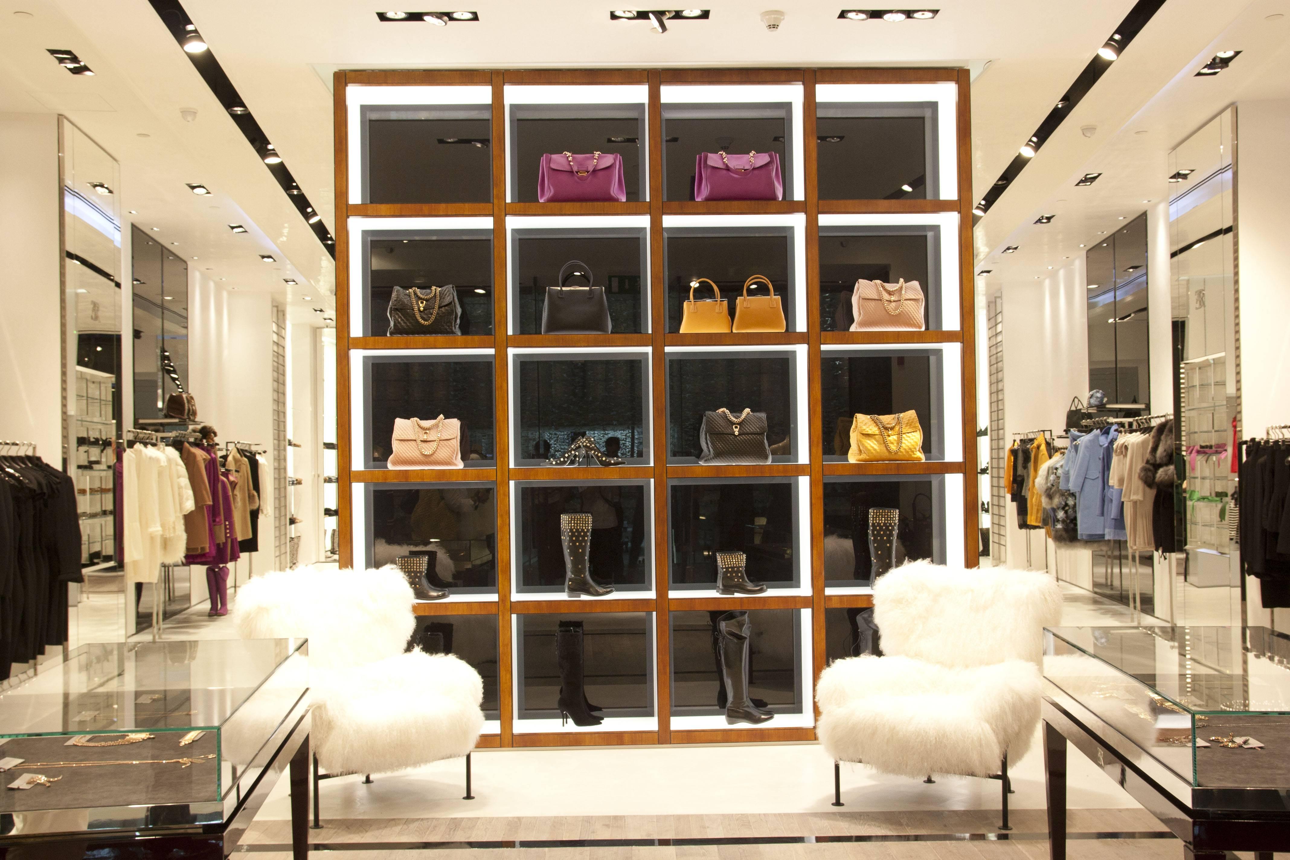 Renowned italian designer ermanno scervino opens in dubai for Dubai boutique