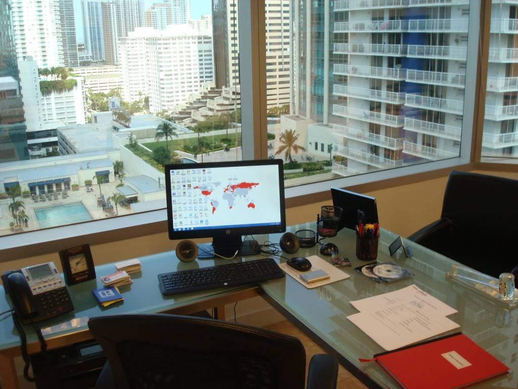 Oliver Miami Desk