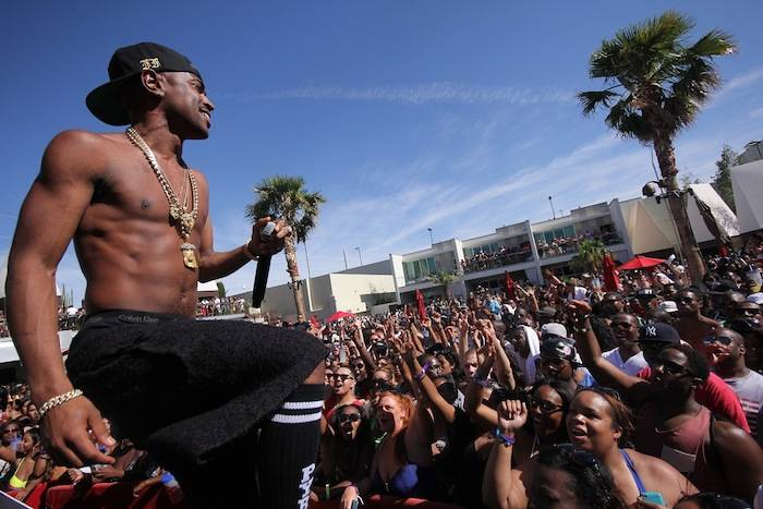 Big Sean performs for thousands of partygoers during Memorial Day weekend at the Palms Pool. Photos: Joe Fury