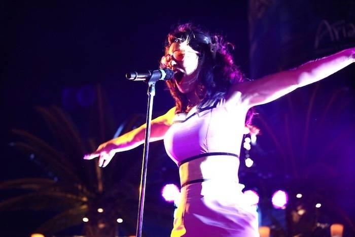 Marina and the Diamonds at the Boulevard Pool. Photos: Teddy Fujimoto