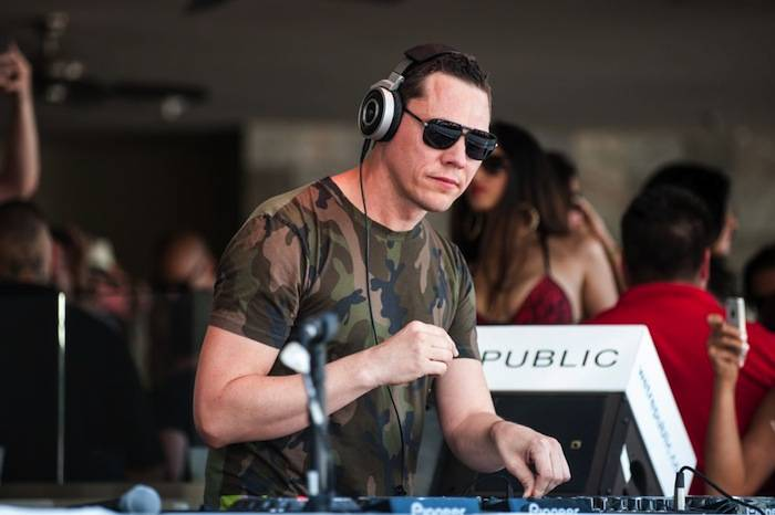 Tiesto spins at Wet Republic. Photos: Powers Imagery LLC