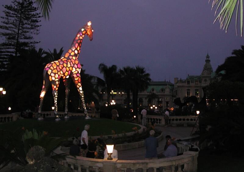 Patrick Mimran - Installation: JetSet-Giraffe - Monte Carlo - Monaco - 2002