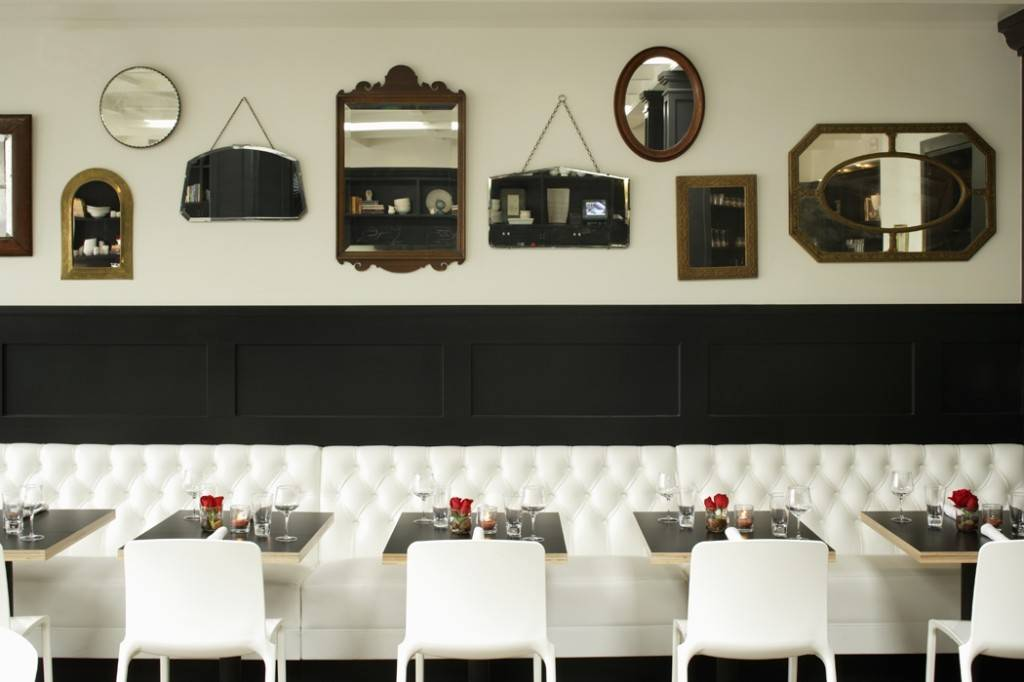 Comme Ca_David Myers_Full Banquette