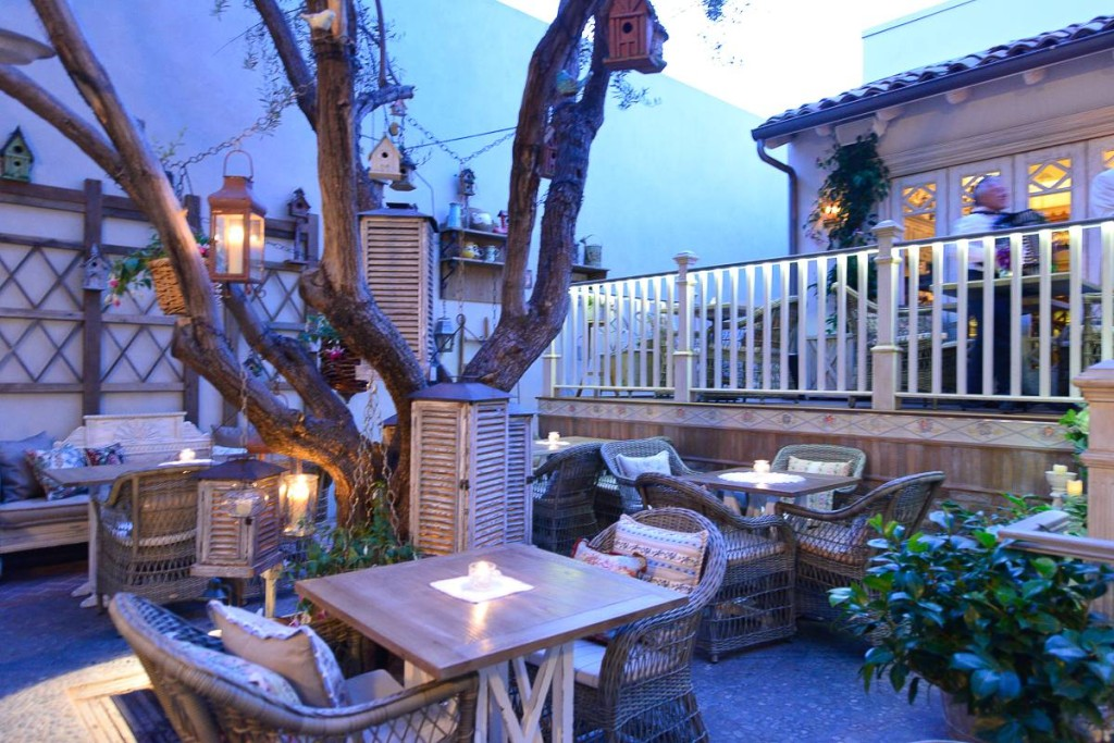 ID MVLA garden patio 2