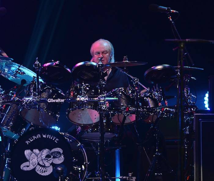 YES performs at the Pearl at the Palms. Photos: Denise Truscello