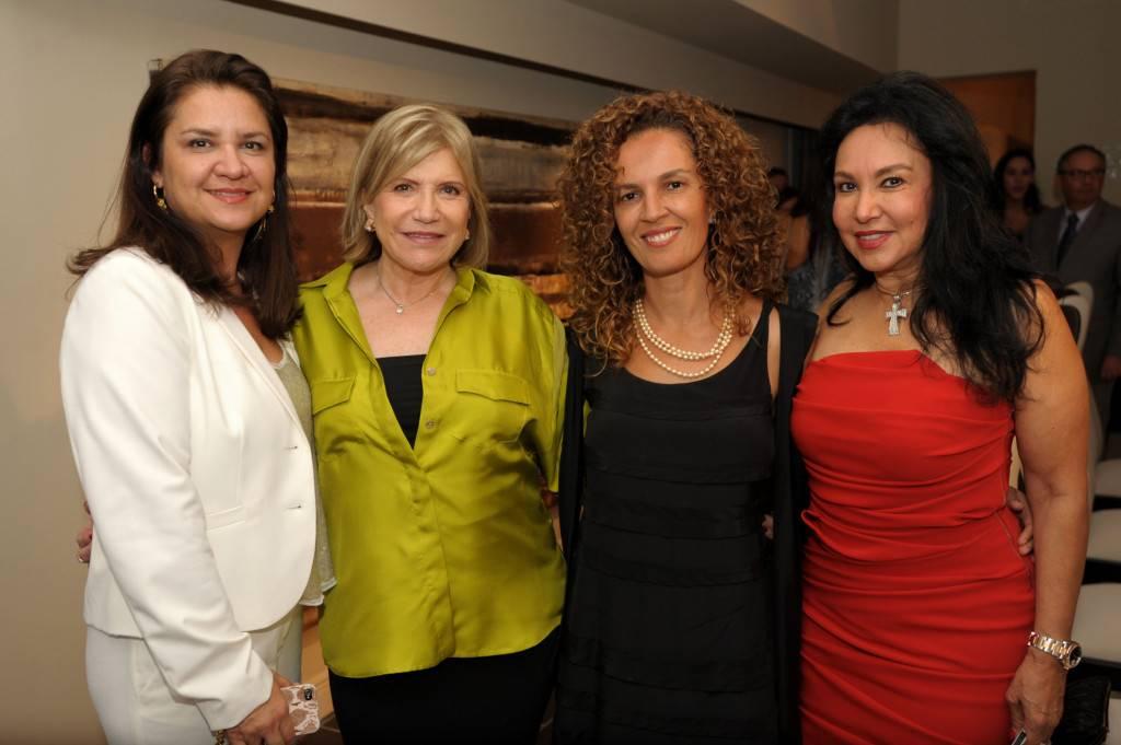 Adriana Ortiz, Daniela Pimenta, Ana Paula Barros, & Mirtha Arriaran