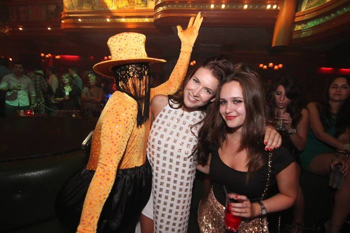 Nathalia Ramos and Olivia Collins watching actors at The Act Nightclub. Photos: Jeff Ragazzo