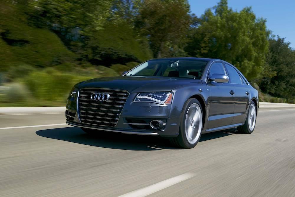 1 2013_Audi_S8...021