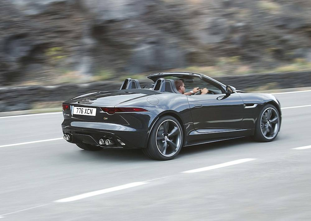 2014_Jaguar_F-Type...21