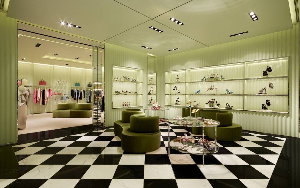 Prada Doha Villaggio Mall int2