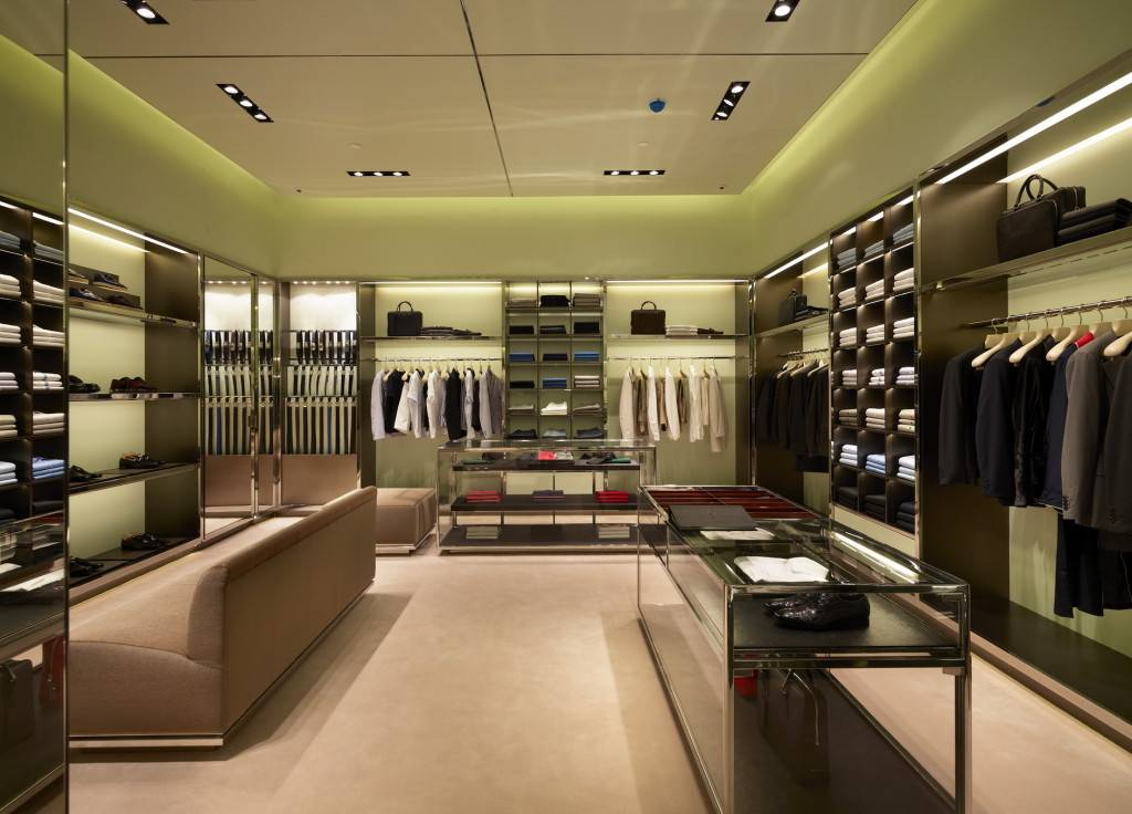 Prada Doha Villaggio Mall int4