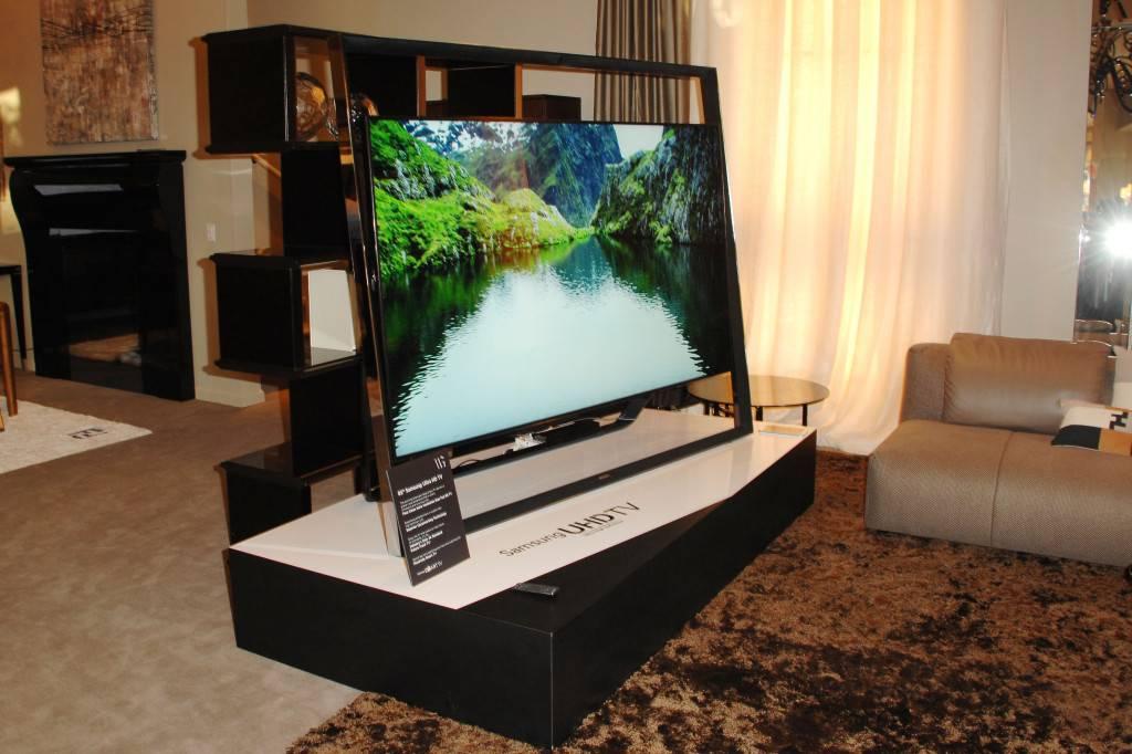 Samsung Ultra HD Art Tour: Fendi Casa hosts cocktail event featuring Samsung's S9 UHD TV - WEST HOLLYWOOD