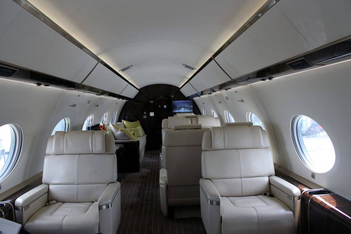 for-65-million-you-get-more-than-a-well-equipped-cockpit-the-g650s-cabin-is-totally-luxurious