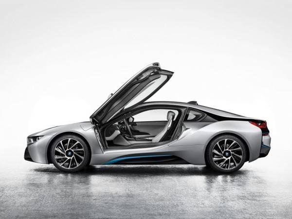 2014-BMW-i8-600x450