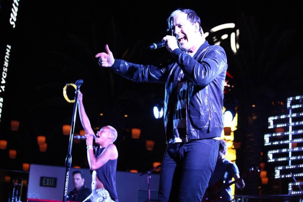 Fitz & The Tantrums plays the Boulevard Pool. Photos:Teddy Fujimoto