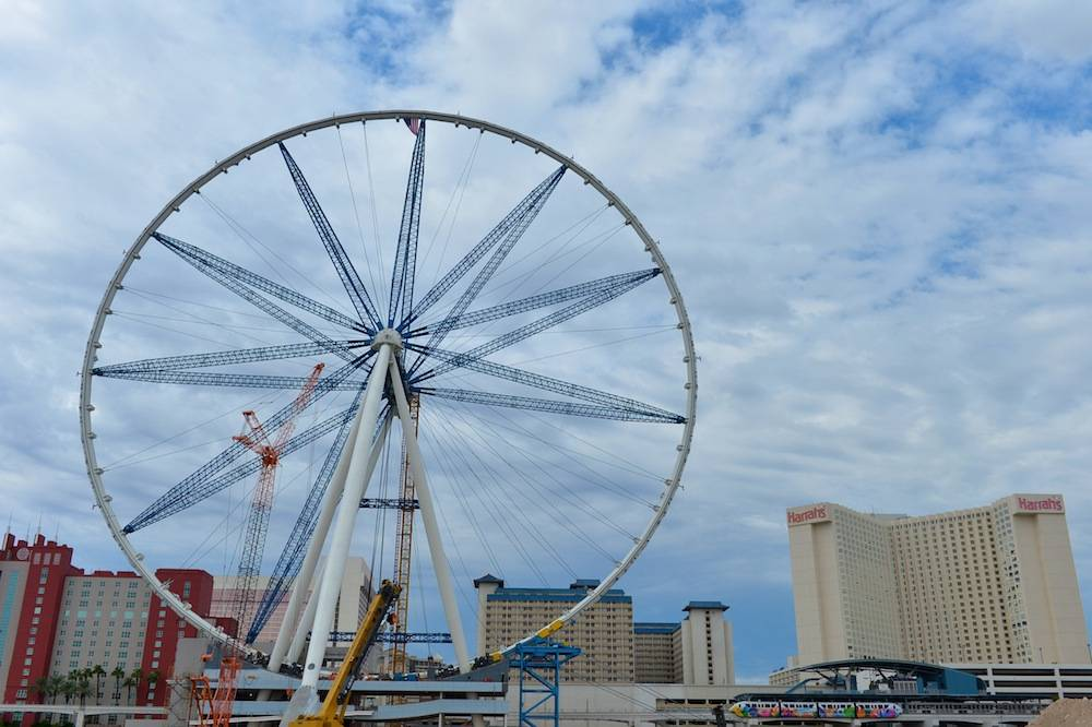 The rim of the High Roller is completed, marking a construction milestone for Caesars Entertainment's $550 million Linq development. Photos: Brian Steffy