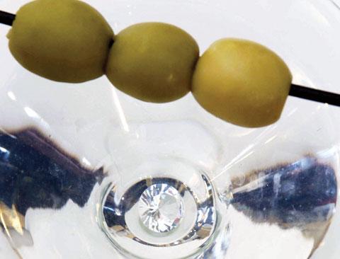 blue-bar-martini-close-top_.jpg