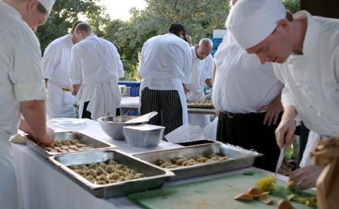 dinnerinparadise_blog.jpg