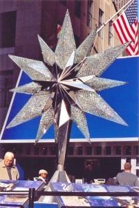 swarovski-star-s-1-1-replica-on-rockefeller-plaza,185